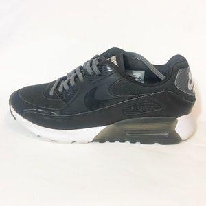 Nike Air Max Black shoes size 8.5
